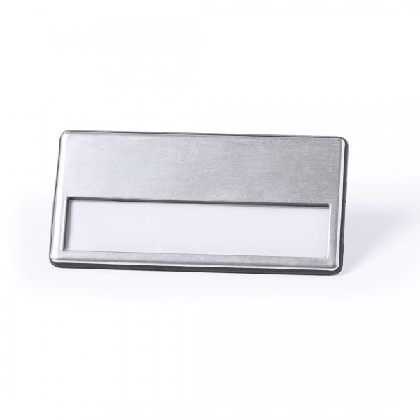 Badge métallique personnalisé avec épingle